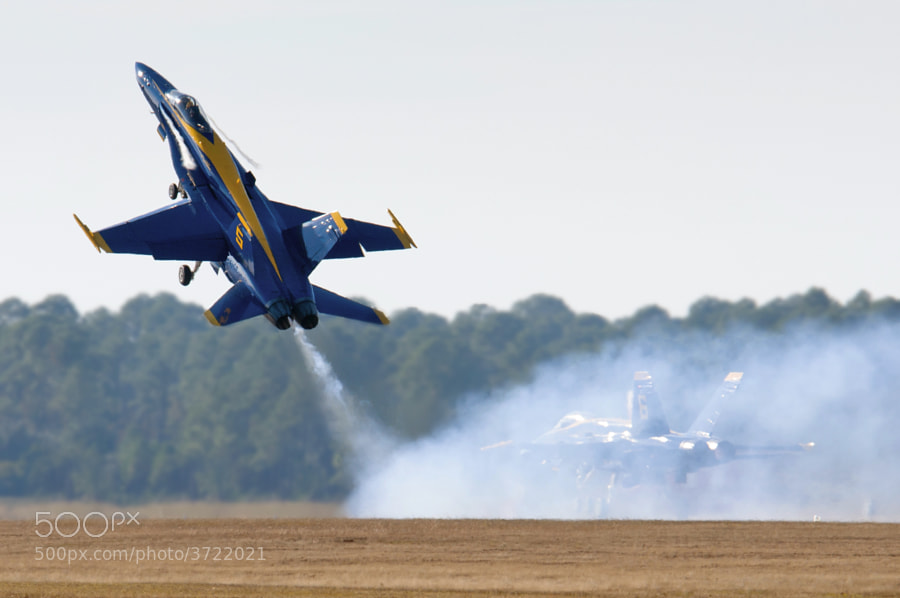 Blue Angel #5 pulls up sharply to begin his performance.