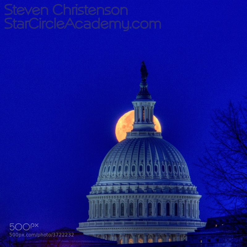 Freedom Gazes at the Moon by Steven Christenson (StarCircleAcademy)) on 500px.com