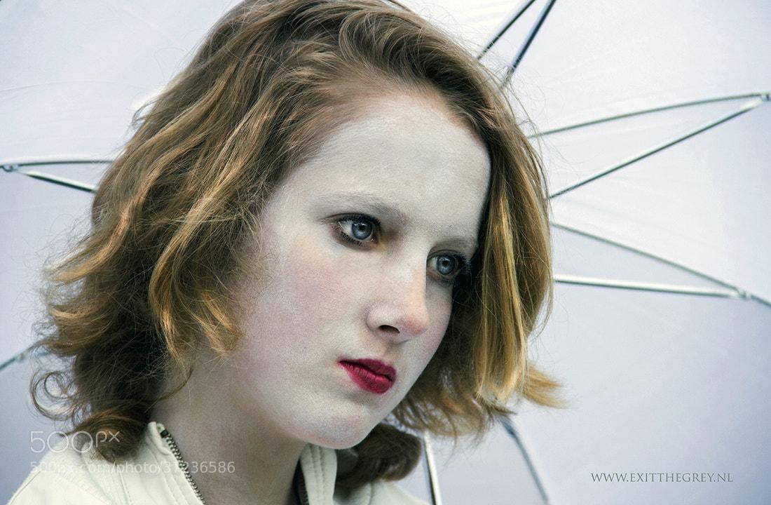 Photograph White geisha by Ria de Boer on 500px