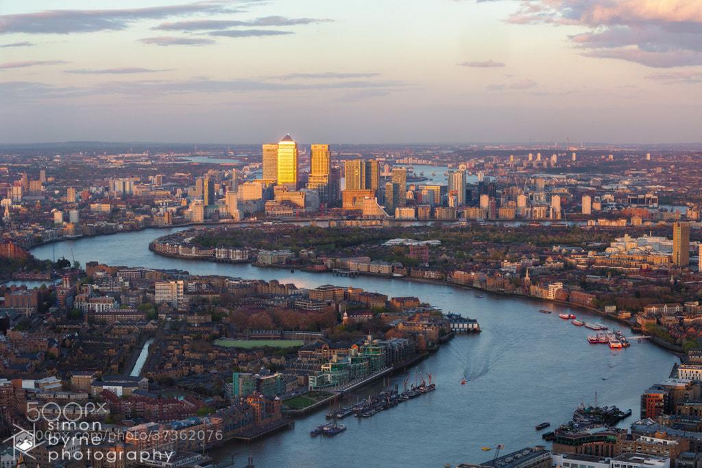 Photograph Canary Wharf, London by Simon Byrne on 500px