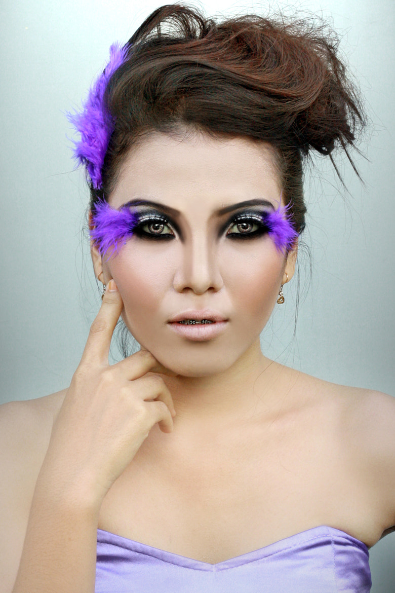 Photograph Fashion With a Feather by Irvandi Tahar on 500px