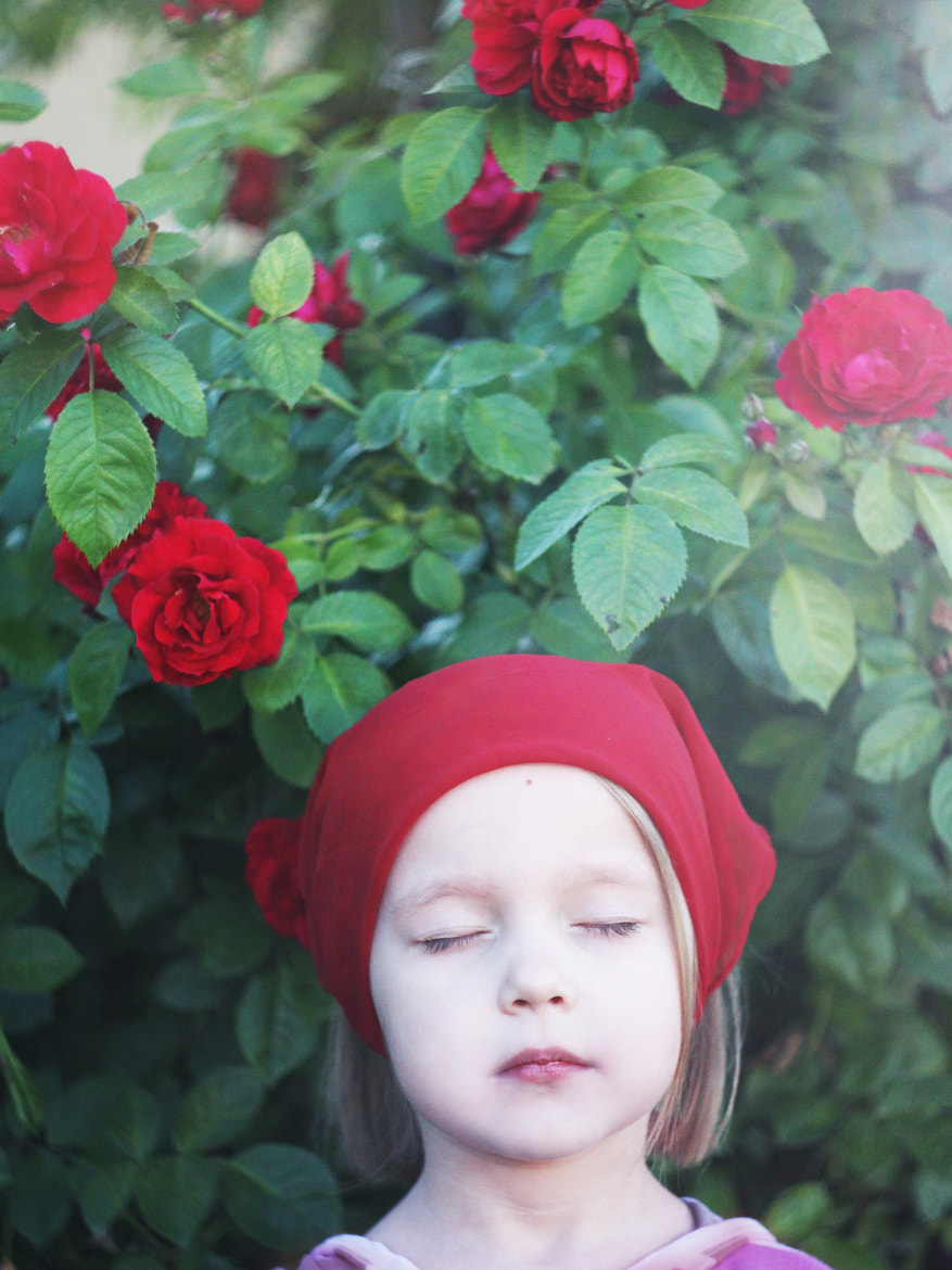 Photograph Anna and the roses by Lena K. on 500px