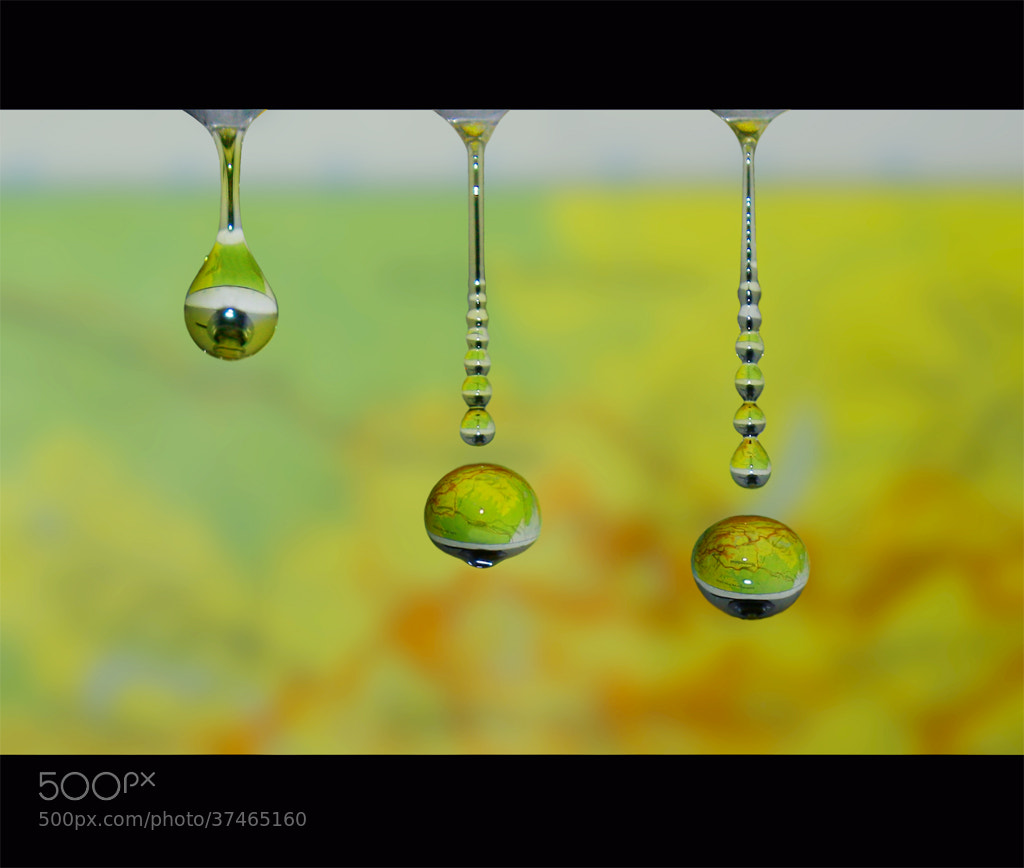 Photograph Maps On Water Drops by Joe Ruhupatty on 500px