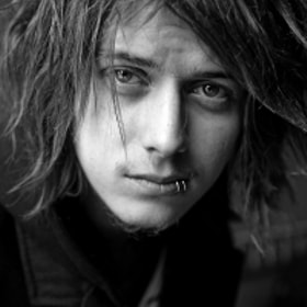 Ben Bruce of Asking Alexandria by Adam Elmakias (elmakias)) on 500px.com