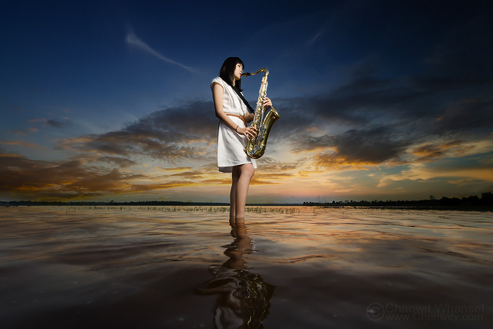 Photograph saxophone girl by Chanwit Whanset on 500px