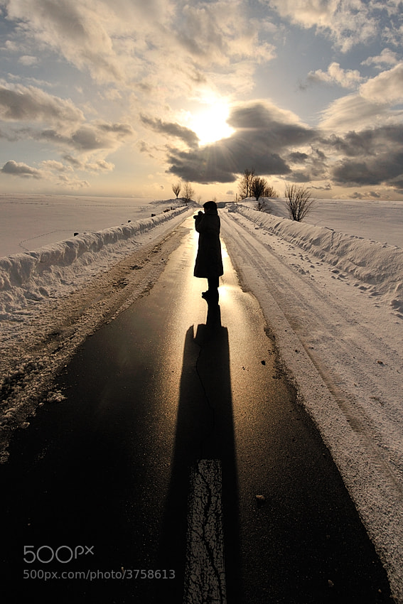 Photograph The woman who takes a photo by Kent Shiraishi on 500px
