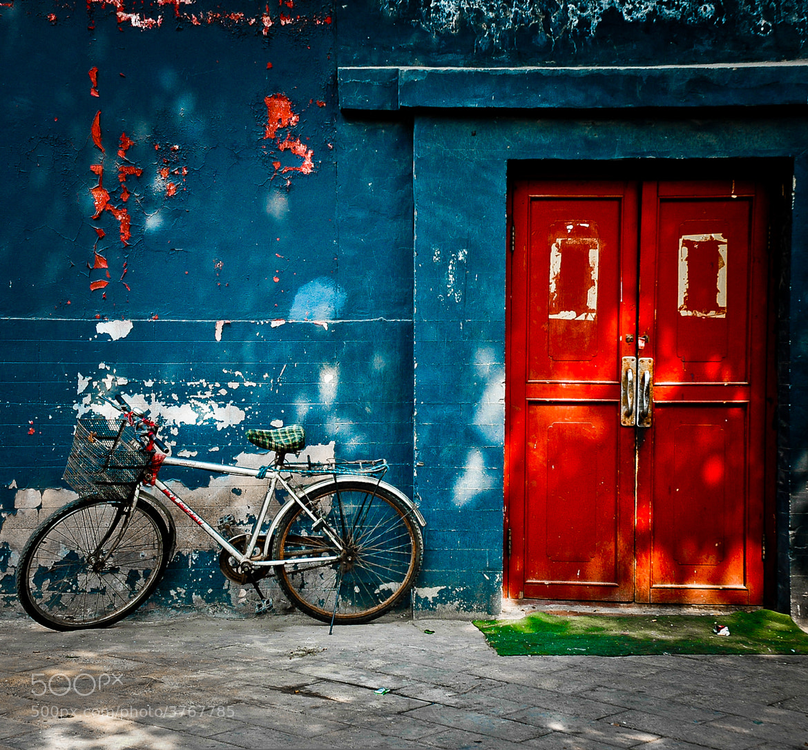 Photograph Red Door by Ian Brewer on 500px