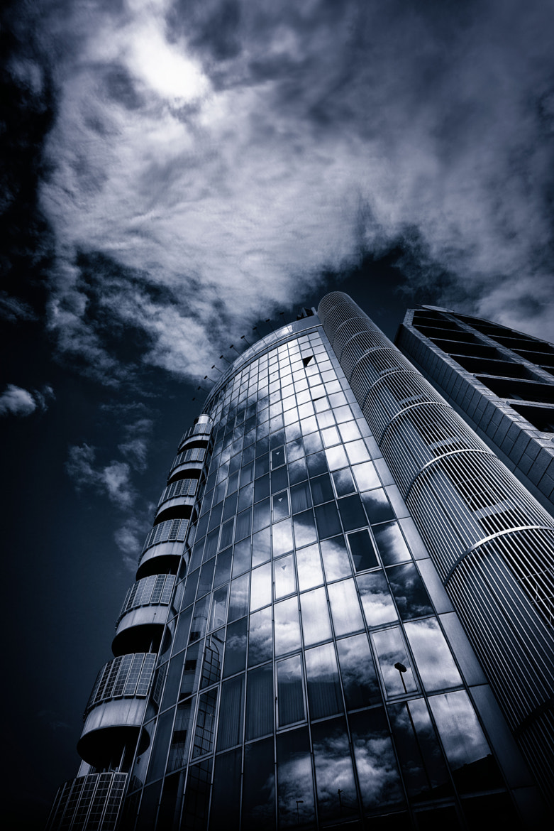 Photograph a Building at the Corner by Yoshihiko Wada on 500px