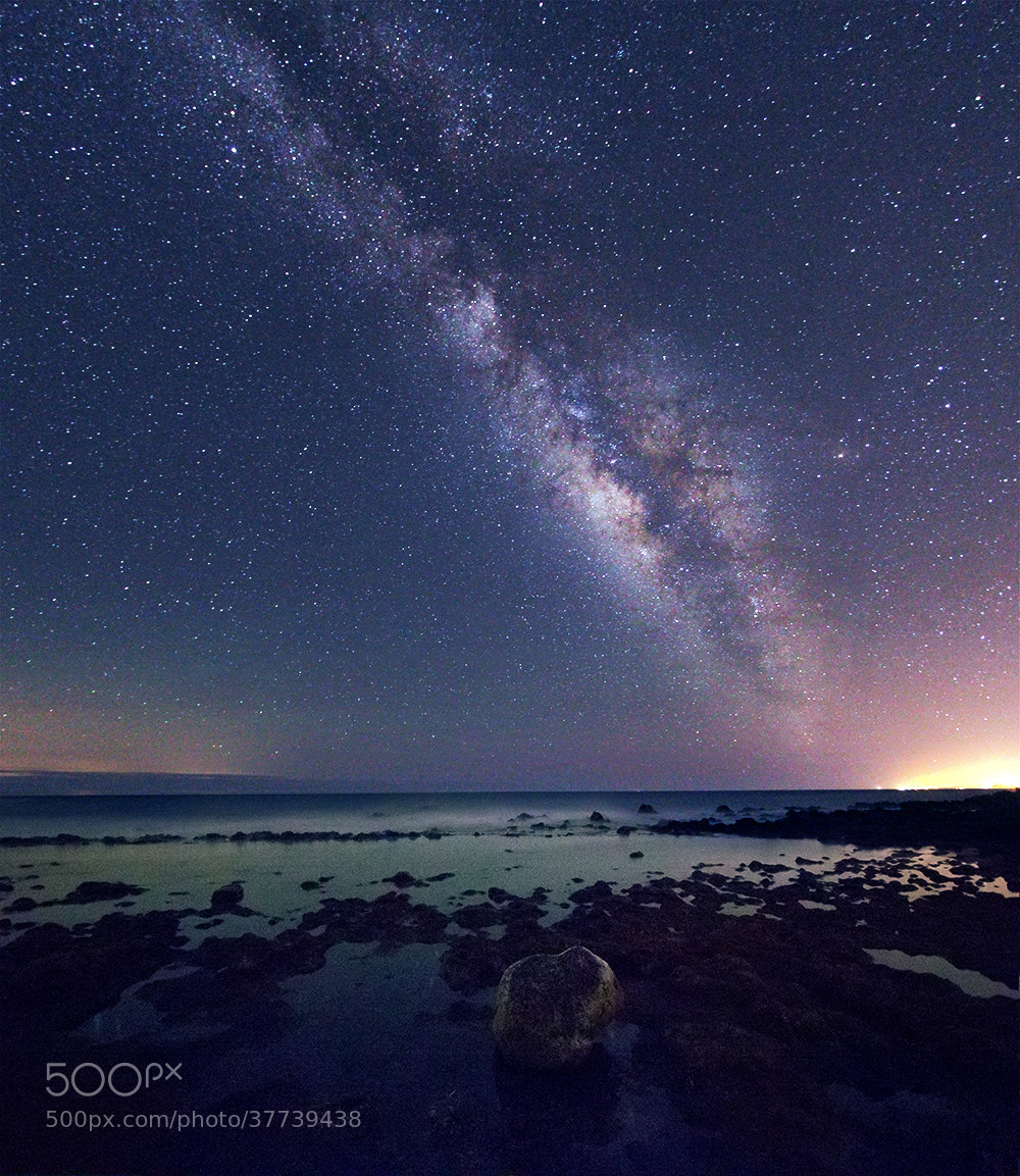 Photograph The Milky way over the sea by Hanoch Hemmerich on 500px