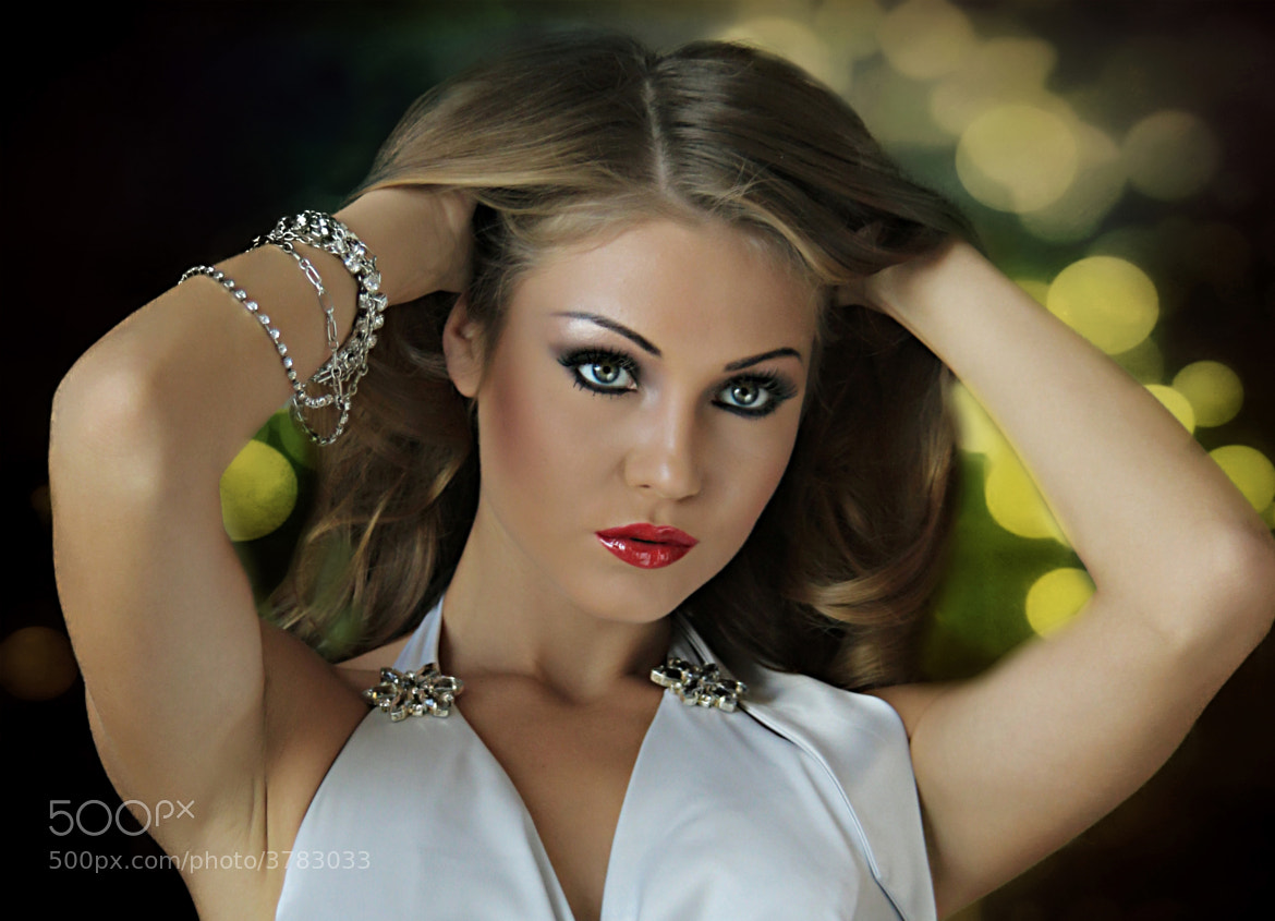 Photograph Alesya by Merchel Peter Caguan on 500px