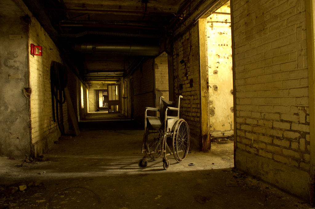Photograph Patient by Sylvain Herbaux on 500px