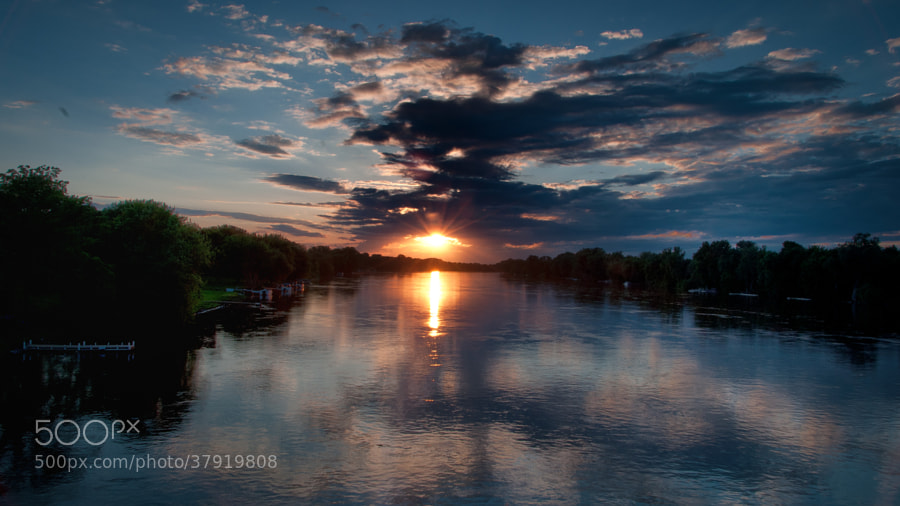 A beautiful summer day draws to a close along the Mississippi River near Anoka, Minnesota.