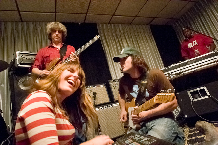 The unannounced latenite jam featuring Grace Potter, Mike Gordon, Scott Tournet and DJ Logic at Villa Vosilla Motel in Tannersville, NY after the second annual Mountain Jam Music Festival on 6/4/2006.