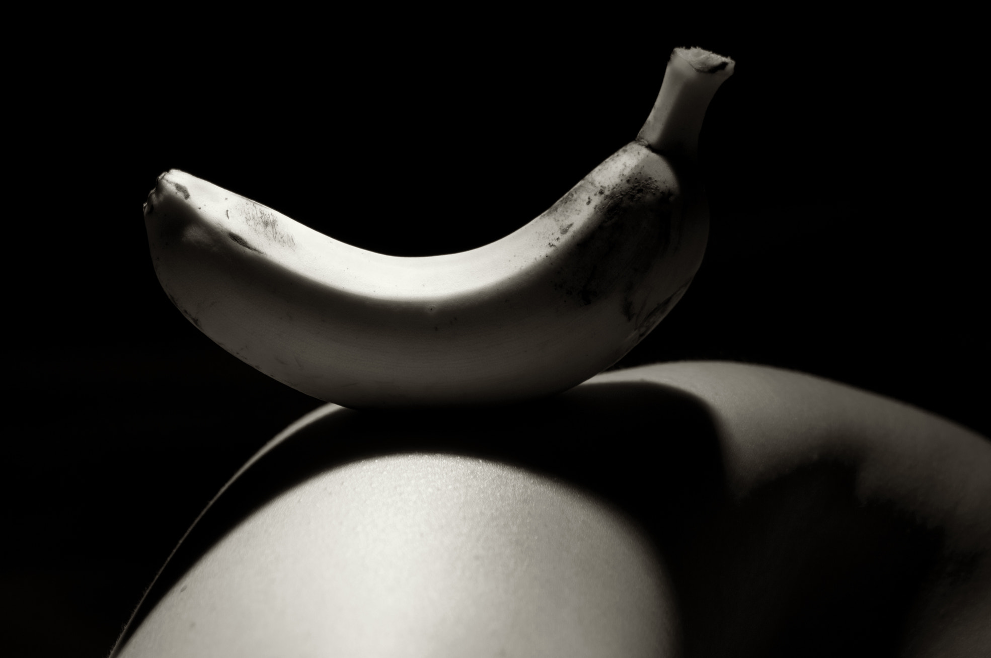 Photograph Fructus corpus, banana by Carlos Enrique Hermosilla on 500px