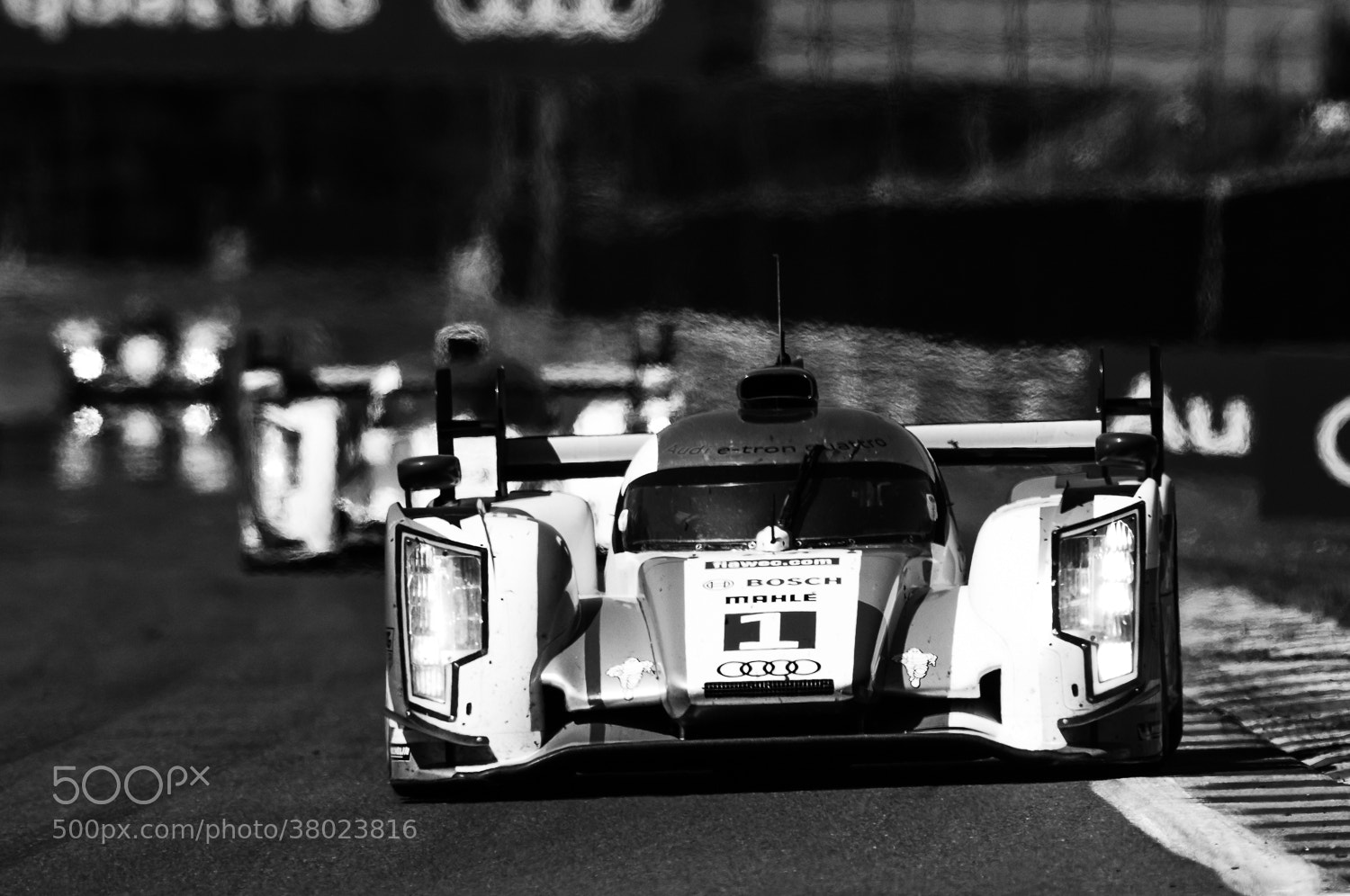 Photograph R18 e-tron quattro by blank_re on 500px