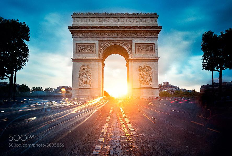 Photograph Arc de Triomphe Twilight by Kajo Photography on 500px