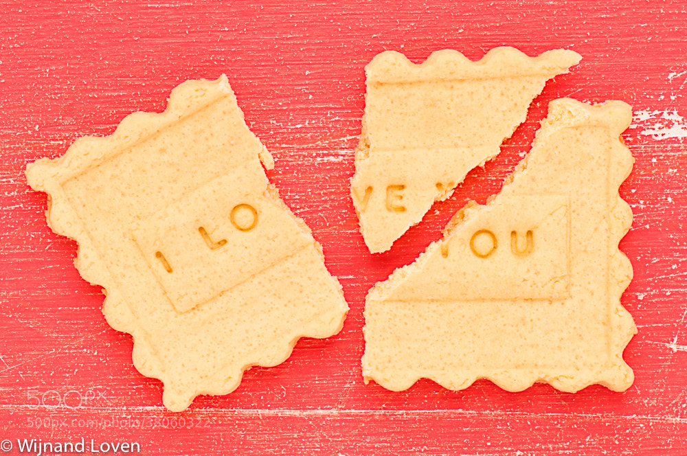 Photograph Broken I love you cookie by Wijnand Loven on 500px
