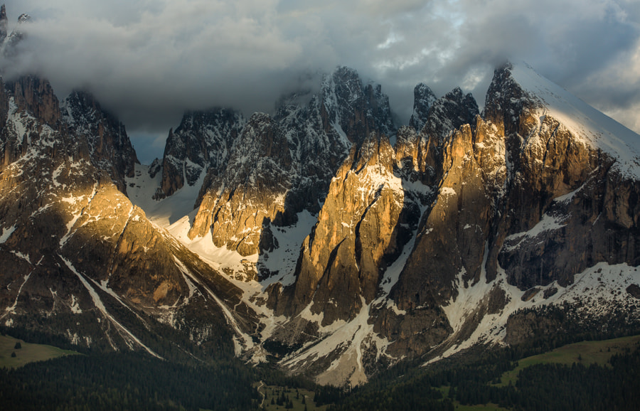 Photograph Last light on the mountains by Hans Kruse on 500px