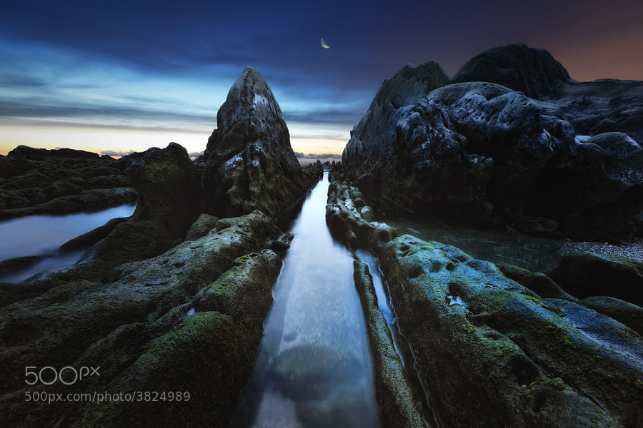 Photograph Rocked Water Corridor with Crescent by Dr. Akira TAKAUE on 500px