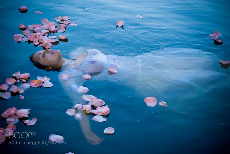 Photograph Ophelia by Marina Bogumil on 500px