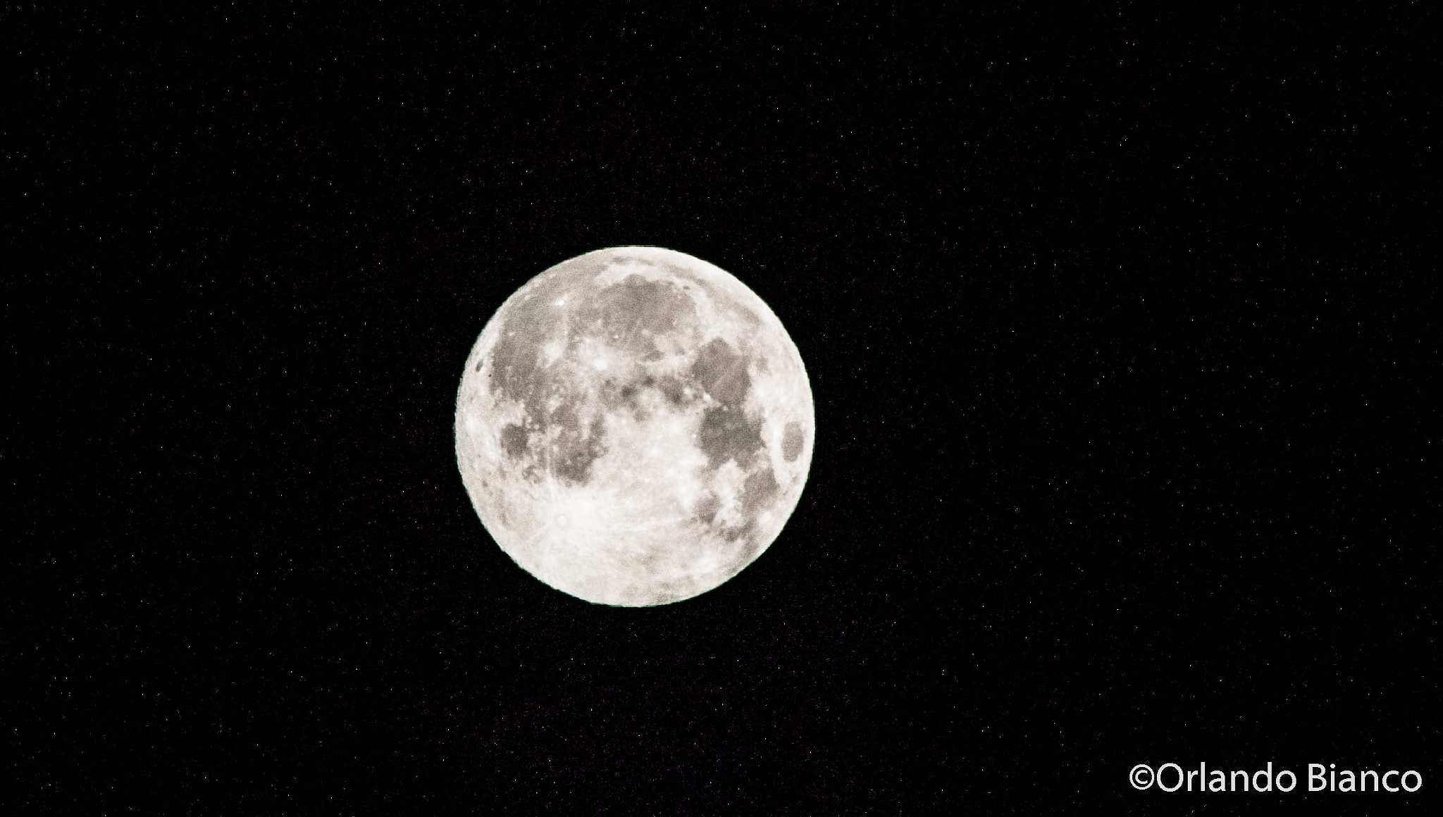 Photograph The Supermoon! 23 August 2013 03.30am by Orlando Bianco on 500px
