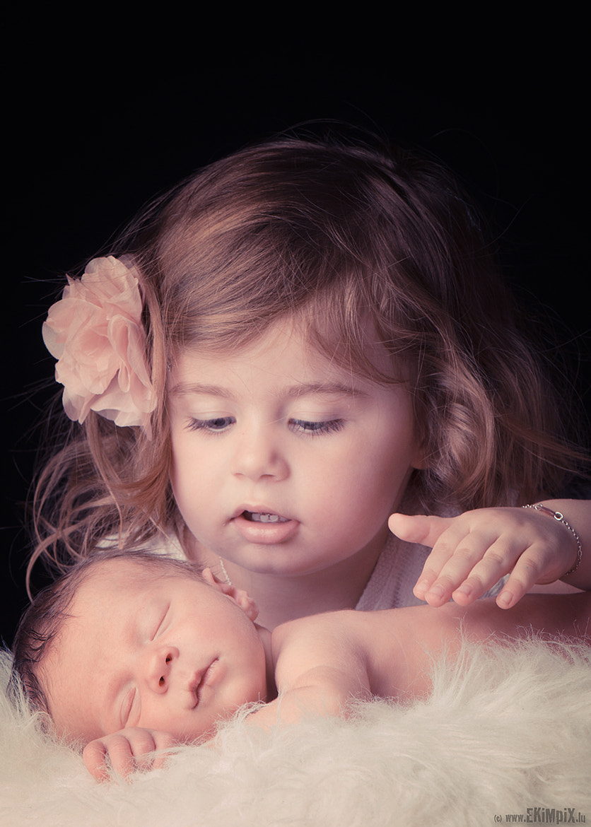Photograph sister love by Mike Kremer on 500px