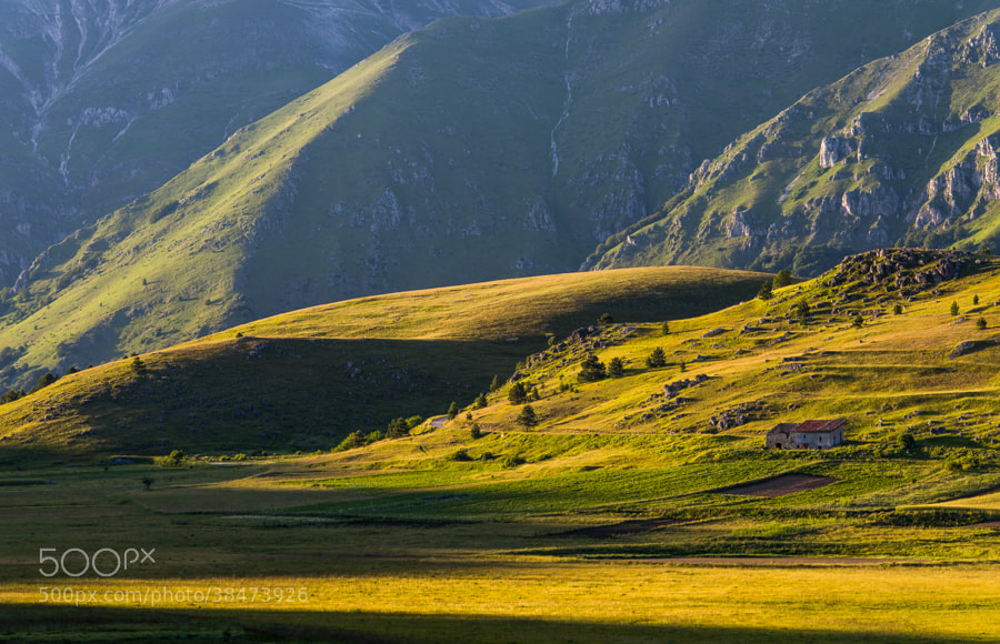 """<a href=""""http://www.hanskrusephotography.com/Landscapes/Abruzzo/13585309_QfrsNG#!i=2602397892&k=4LWXPVt&lb=1&s=A"""">See a larger version here</a>"""