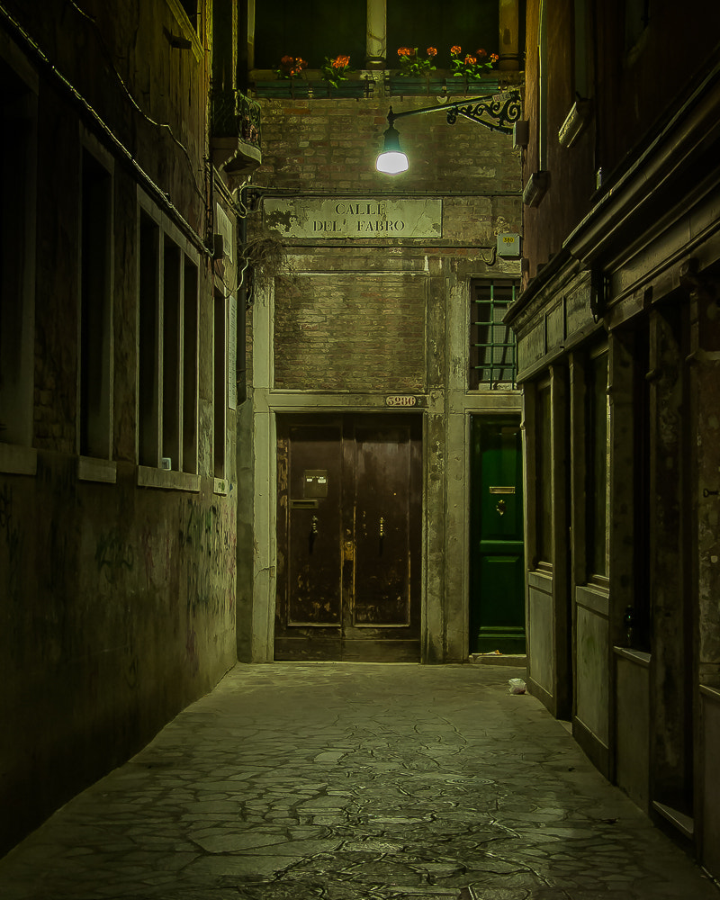 Photograph Calle del Fabro by Keith Custis on 500px