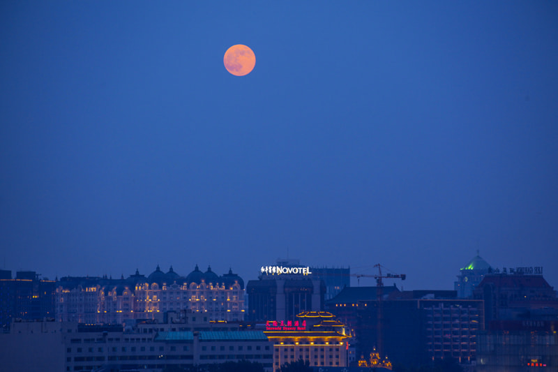 Photograph Super red moon by Bbbean on 500px