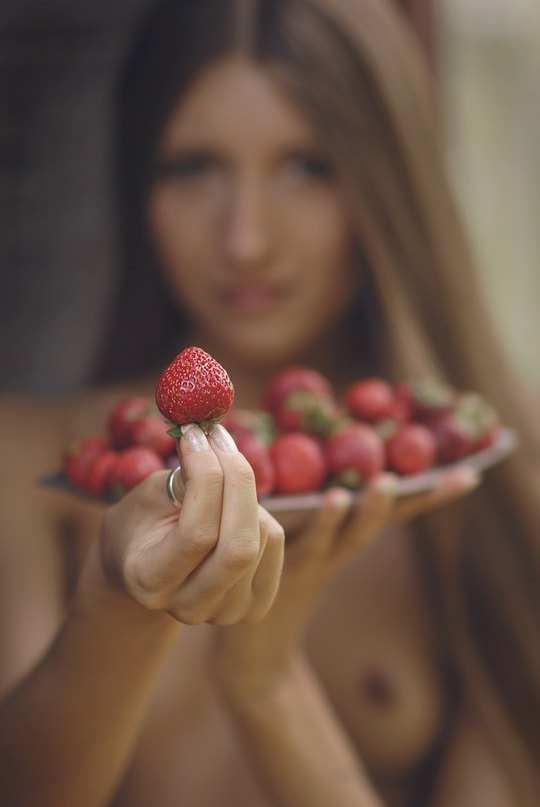 Photograph Strawberry going? by Alex Kologriff on 500px