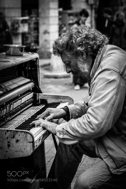 Photograph Street Pianist by Pierre de Izarra on 500px