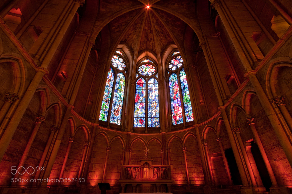 Photograph The red chapel by Vincent SPANNEUT on 500px