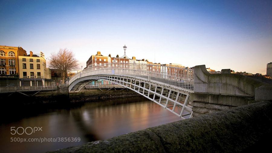 Bridge over the Liffey that you no longer have to pay a ha'penny to cross.