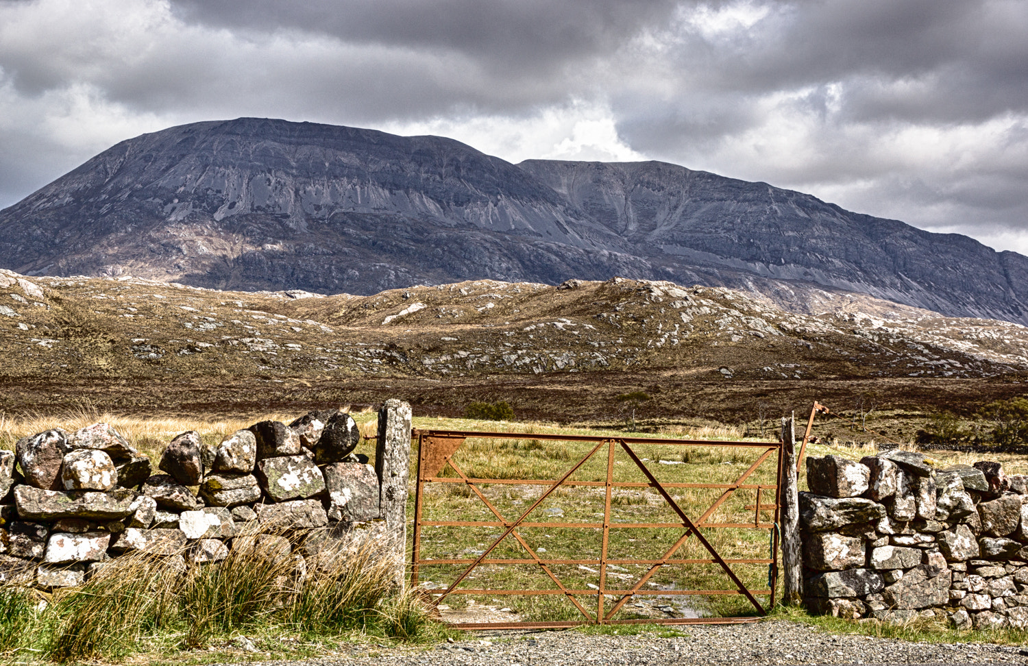Photograph The Gate to Arkle by RALPH  on 500px