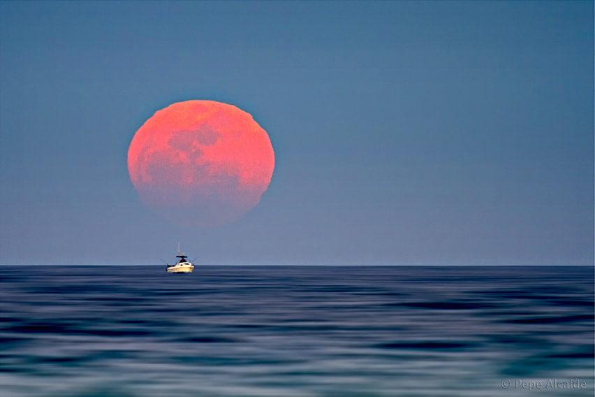 Photograph Gran Luna by Pepe Alcaide on 500px
