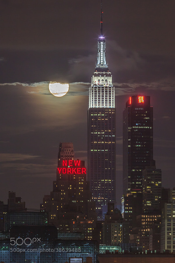 Photograph 2013 Supermoon Eclipse from NYC by Sam Yee on 500px