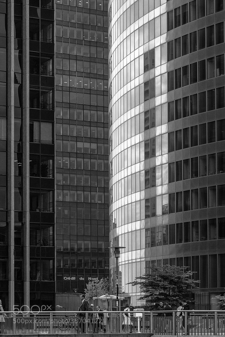 Photograph L'architecture de La Defence 2 by Steen Rasmussen on 500px