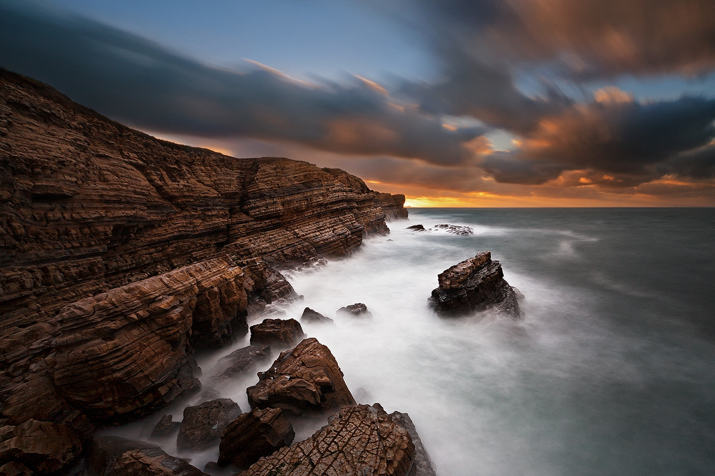 Photograph Cliff by Hugo Borges on 500px