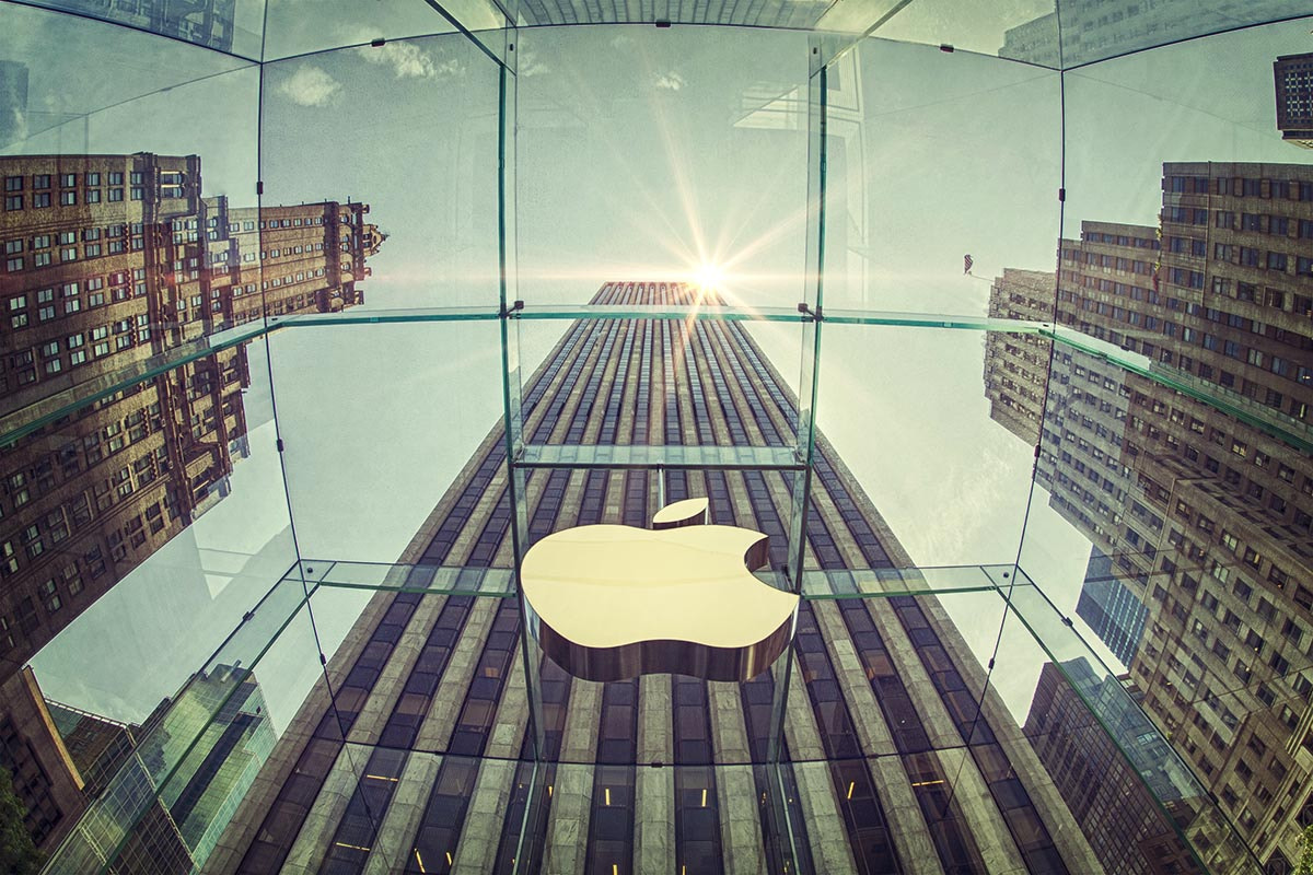 Photograph Apple Store, 5th Avenue, New York by Andrea Kamal on 500px