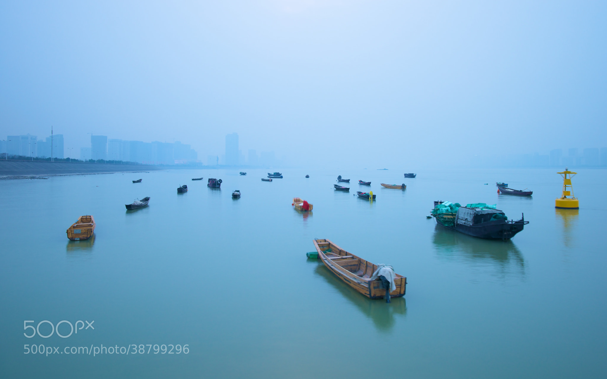 Photograph Qiantang river boats by Christoph Schubert on 500px