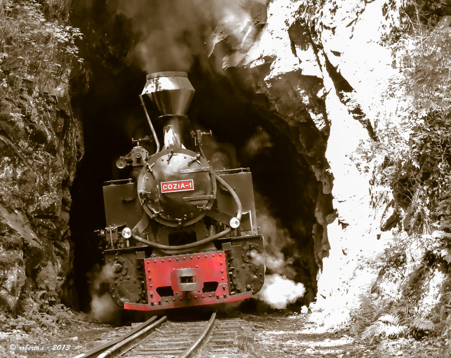 Photograph The old train by Roberto Iosupescu on 500px