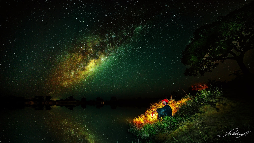 Photograph Alone, accompanied by thousands of stars!! by Valter Patrial on 500px