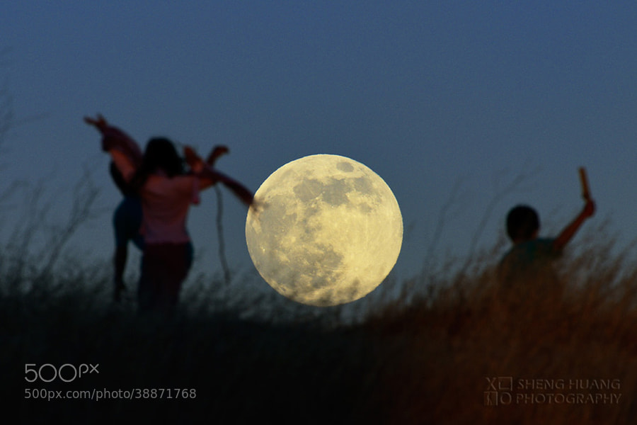 Super Moon is Coming! by Sheng Huang (projectxo)) on 500px.com