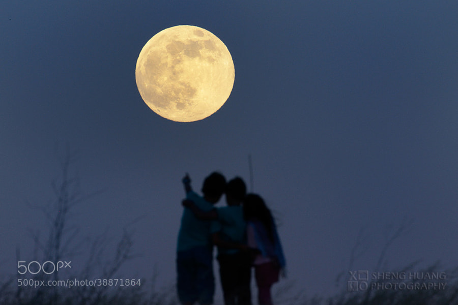 Children of the Super Moon by Sheng Huang (projectxo)) on 500px.com