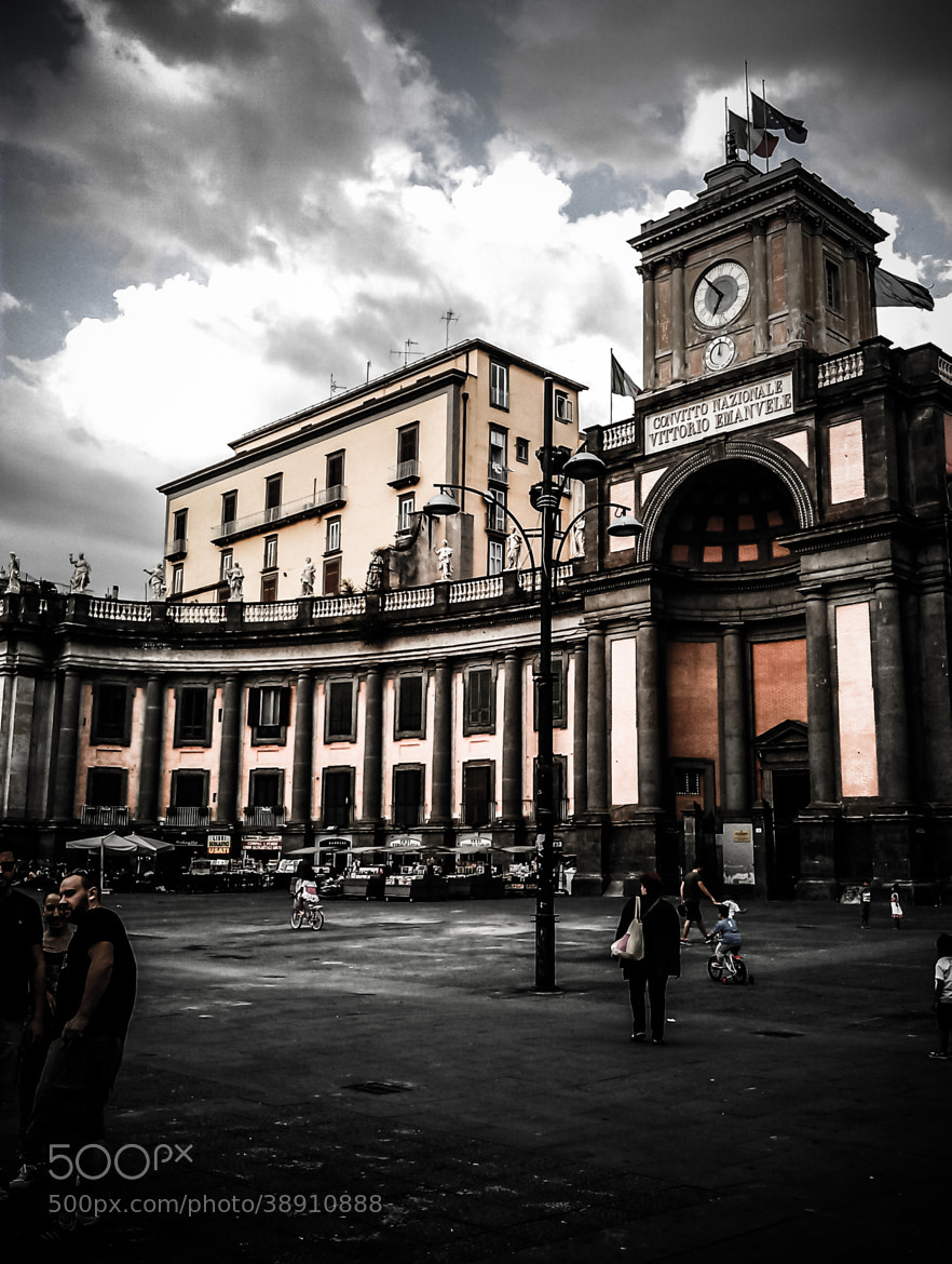 Photograph Piazza Dante by Vincenzo Coppola on 500px