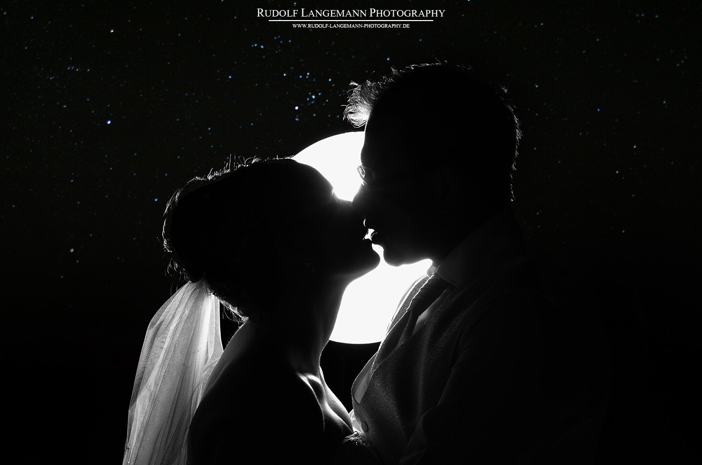 Photograph [ Moonlight Kiss | Bride & Groom ] by Rudolf Langemann on 500px