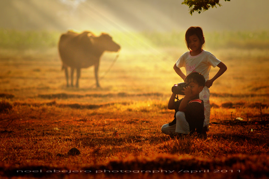 Photograph the Young Photographer... by noel abejero on 500px