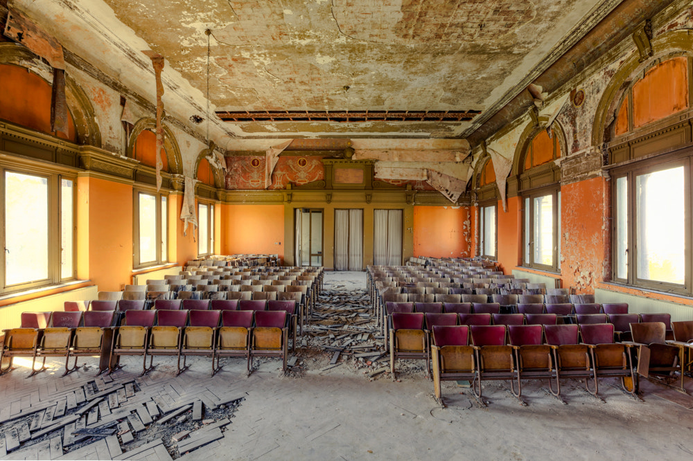 Photograph lecture hall by Christian Richter on 500px
