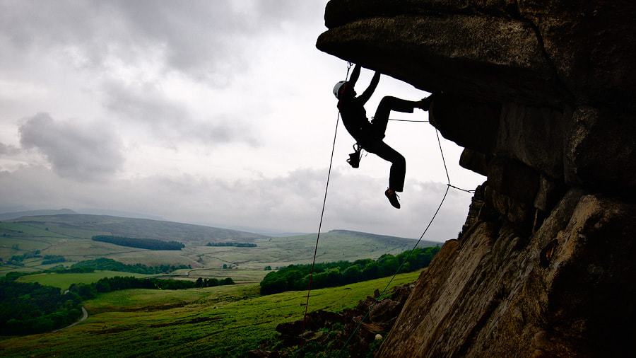 Photograph English climbing by Alexandre Buisse on 500px