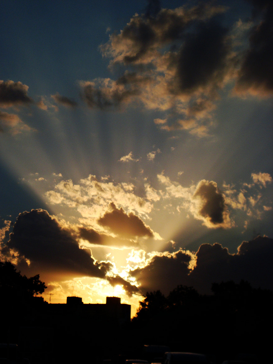 Photograph Sunset behind the clouds by Juliana Verdugo on 500px